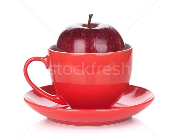 Maduro manzana roja taza de té aislado blanco alimentos Foto stock © karandaev
