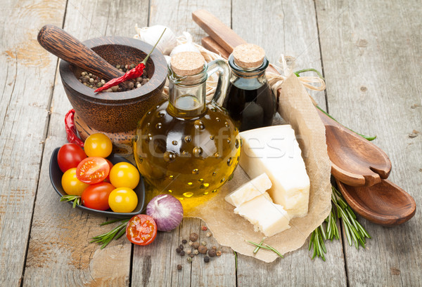 Gyógynövények fűszer öntet fa asztal étel üveg Stock fotó © karandaev