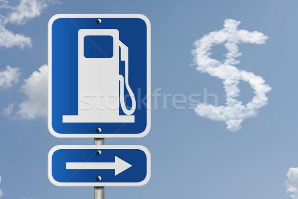 Fiyat gaz amerikan yol işareti simge ok Stok fotoğraf © karenr