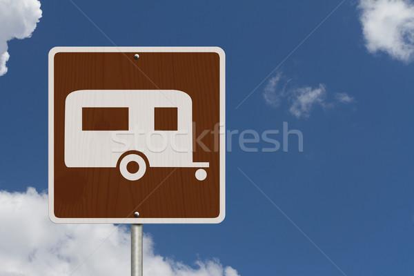 Kamp amerikan yol işareti gökyüzü simge Stok fotoğraf © karenr