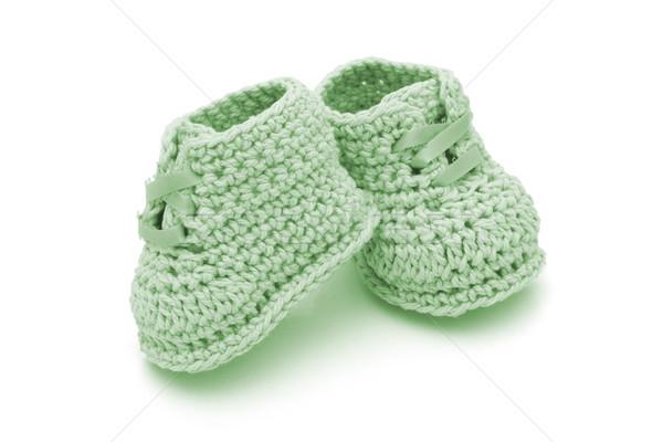 El yapımı bebek yeşil tığ işi yalıtılmış beyaz Stok fotoğraf © karenr