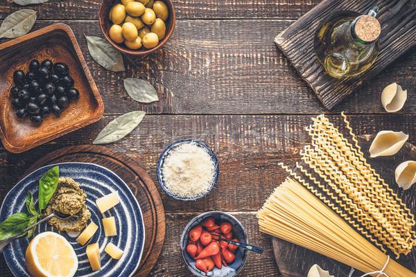 Ingredientes cozinha italiana mesa de madeira topo ver comida Foto stock © Karpenkovdenis