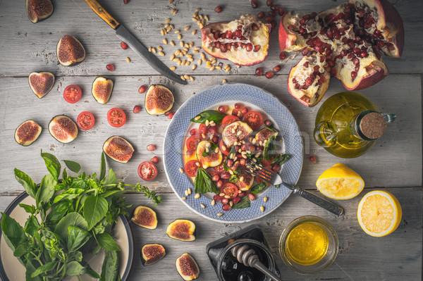 Vruchtensalade vijg keramische plaat ingrediënten witte Stockfoto © Karpenkovdenis
