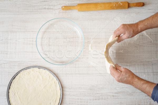 Cottura pizza tavola orizzontale alimentare mano Foto d'archivio © Karpenkovdenis