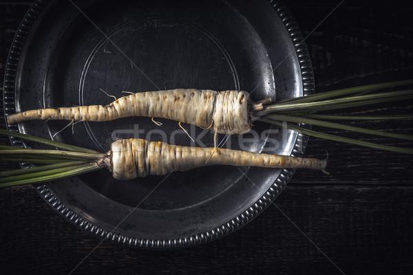 Peterselie wortel oude metaal plaat top Stockfoto © Karpenkovdenis