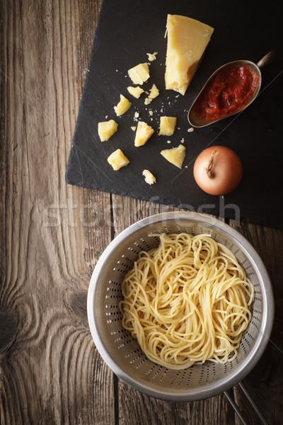 Cottura spaghetti formaggio vecchio tavola verticale Foto d'archivio © Karpenkovdenis