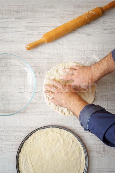 料理 ピザ 木製のテーブル 垂直 手 男 ストックフォト © Karpenkovdenis