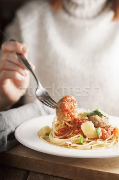 女性 食べ ミートボール 皿 垂直 食品 ストックフォト © Karpenkovdenis