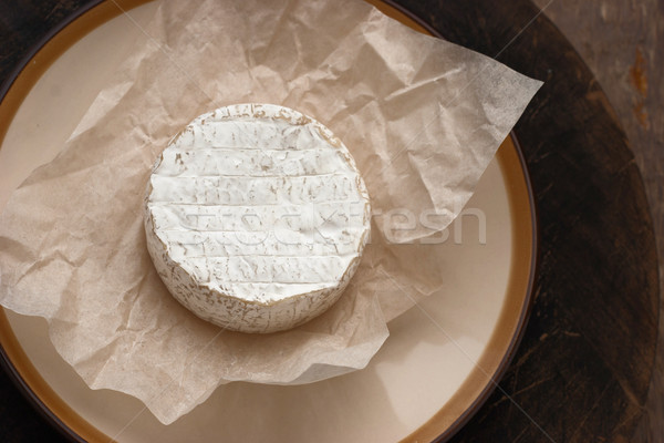Todo camembert queso blanco pergamino papel Foto stock © Karpenkovdenis