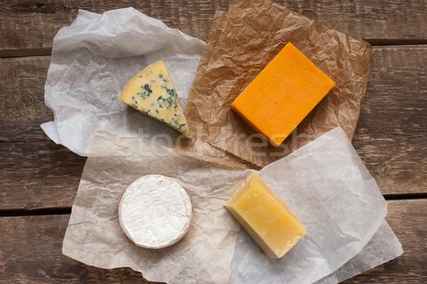 Ahşap masa camambert çedar turuncu mavi peynir Stok fotoğraf © Karpenkovdenis