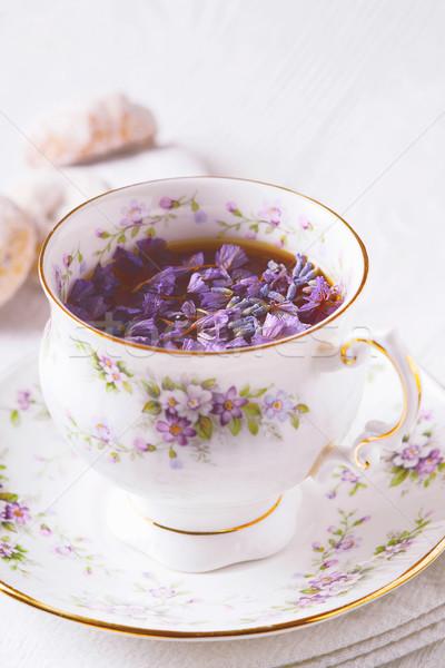 Güzel fincan çay çiçekler dikey çiçek Stok fotoğraf © Karpenkovdenis