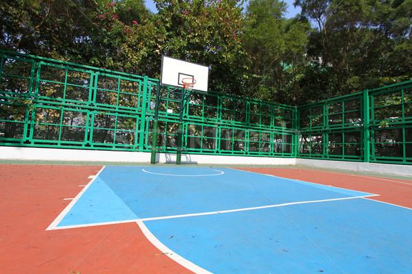 Boisko do koszykówki niebo tle siłowni niebieski zabawy Zdjęcia stock © kawing921