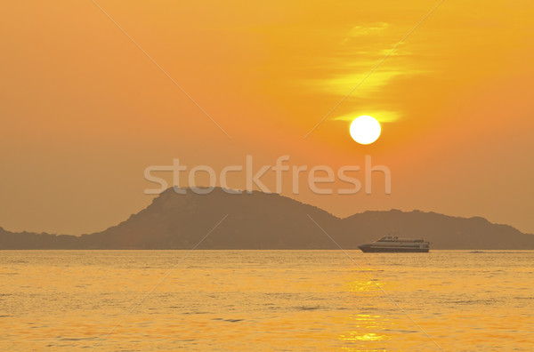 Sunset over the ocean Stock photo © kawing921