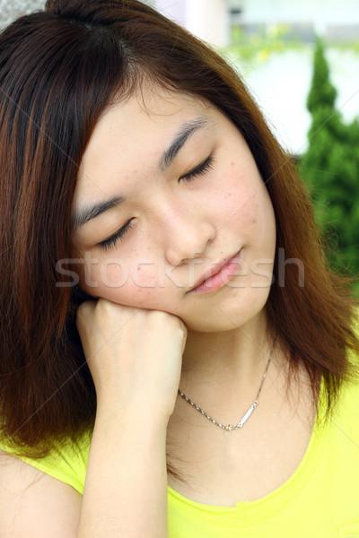 Asian vrouw slaperig gezicht handen hand Stockfoto © kawing921