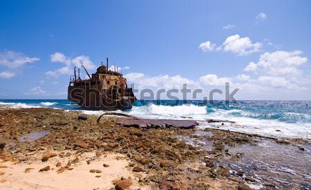 Gemi enkazı paslı caribbean yıkama deniz okyanus Stok fotoğraf © kaycee