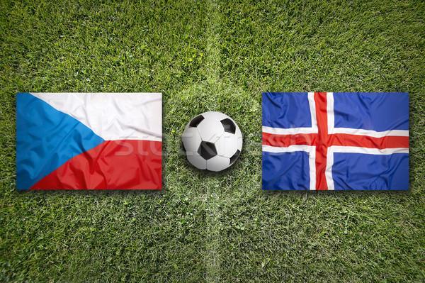 Tsjechische Republiek vs IJsland vlaggen voetbalveld groene Stockfoto © kb-photodesign