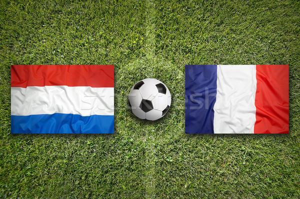 Vs vlaggen voetbalveld groene team bal Stockfoto © kb-photodesign
