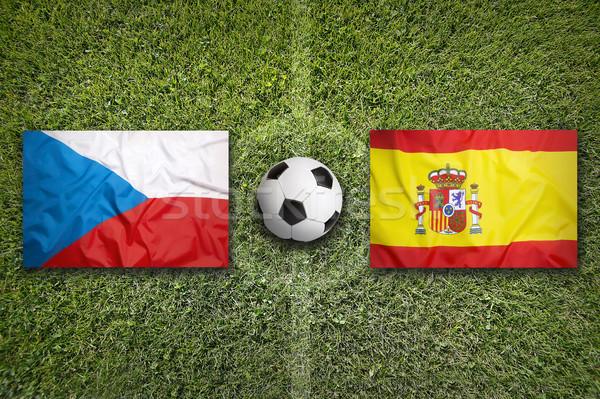 Csehország vs Spanyolország zászlók futballpálya zöld Stock fotó © kb-photodesign