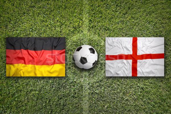 Almanya vs İngiltere bayraklar futbol sahası yeşil Stok fotoğraf © kb-photodesign