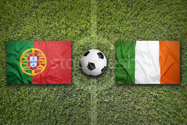 Portugal vs Irlande drapeaux terrain de football vert Photo stock © kb-photodesign