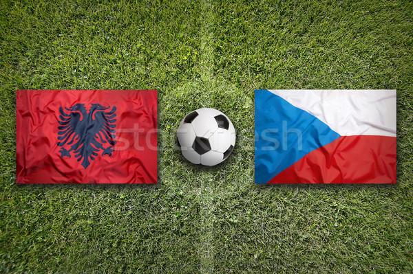 Arnavutluk vs Çek Cumhuriyeti bayraklar futbol sahası yeşil Stok fotoğraf © kb-photodesign