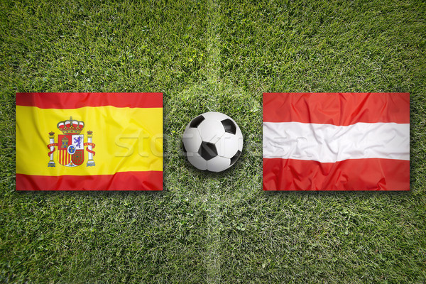 Spanyolország vs Ausztria zászlók futballpálya zöld Stock fotó © kb-photodesign