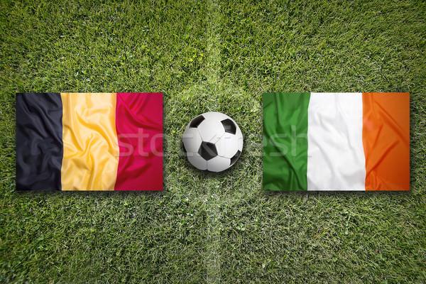 Bélgica vs Irlanda bandeiras campo de futebol verde Foto stock © kb-photodesign