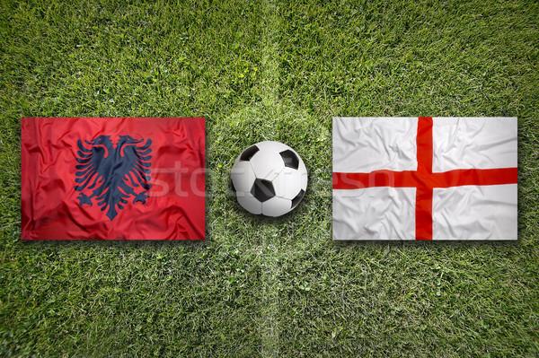 Albanië vs Engeland vlaggen voetbalveld groene Stockfoto © kb-photodesign