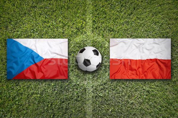 Repubblica Ceca vs Polonia bandiere campo di calcio verde Foto d'archivio © kb-photodesign