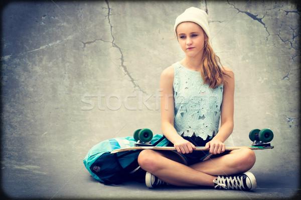 Adolescente skater ragazza skateboard scarpe Foto d'archivio © keeweeboy