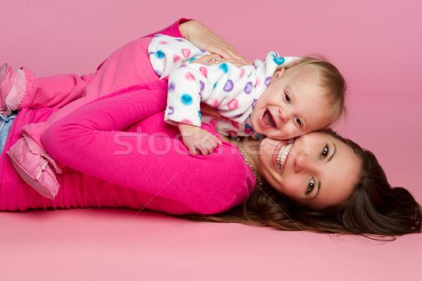 Moeder kind lachend spelen model schoonheid Stockfoto © keeweeboy