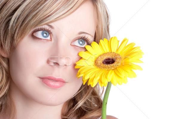 Gelbe Blume Frau schönen blond Blume Augen Stock foto © keeweeboy