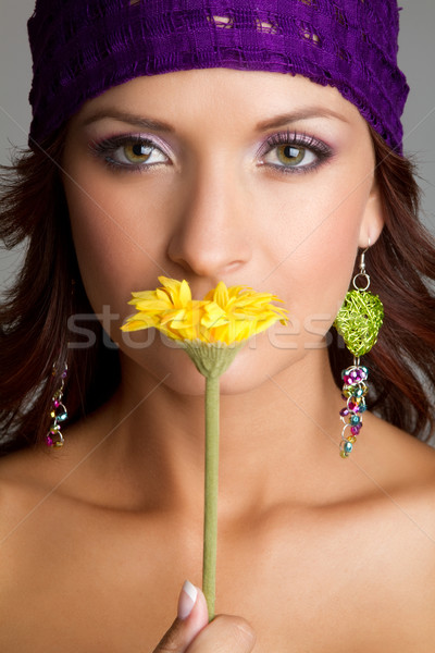 Donna fiore bella donna fiore giallo mani modello Foto d'archivio © keeweeboy
