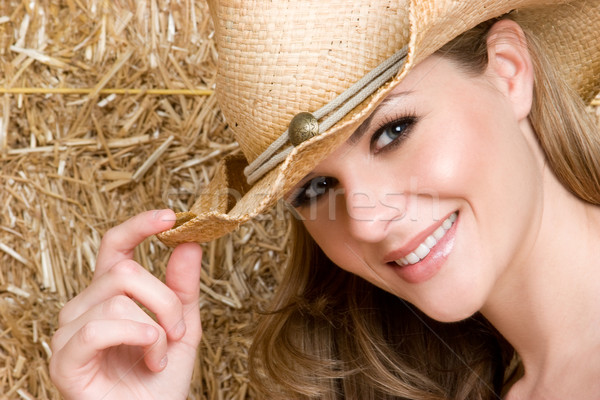 Fille de la campagne belle souriant pays chapeau fille Photo stock © keeweeboy