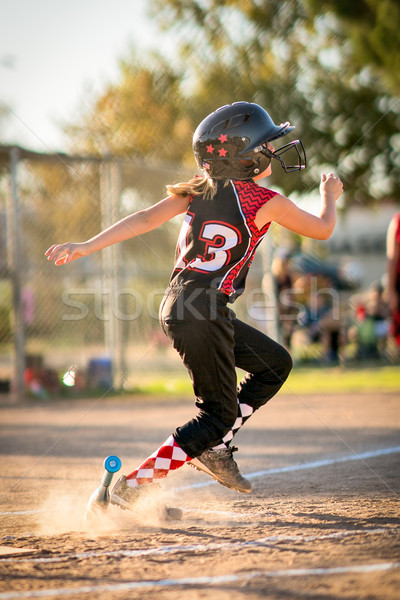 Kind spelen softbal baseball lopen team Stockfoto © keeweeboy