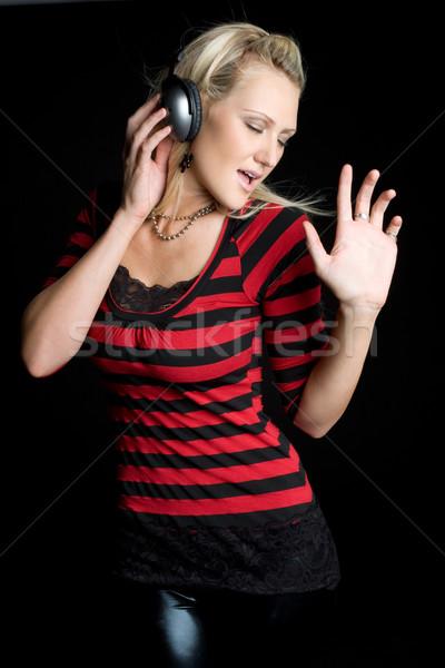 Müzik kız güzel kız dinleme kulaklık kadın Stok fotoğraf © keeweeboy