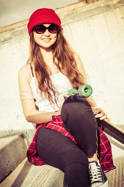 Sorridere teen skater ragazza bella felice Foto d'archivio © keeweeboy