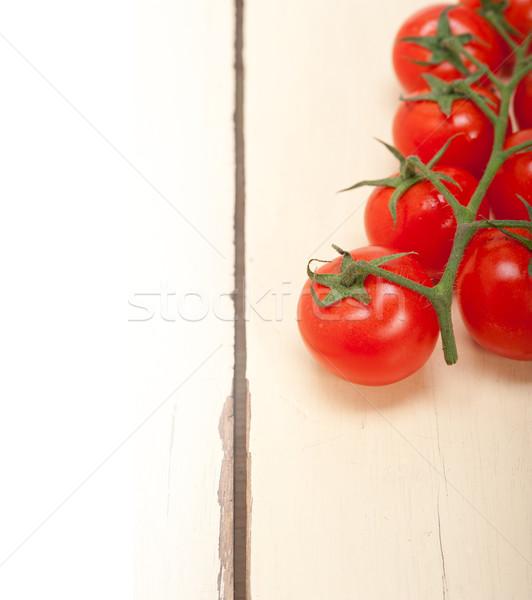 Taze kiraz domates rustik ahşap masa gıda Stok fotoğraf © keko64
