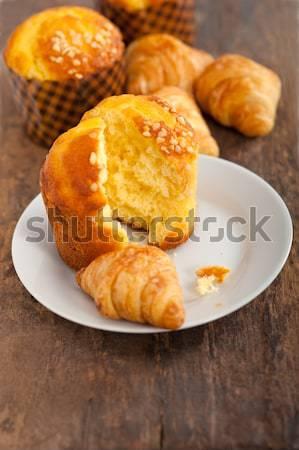 Foto stock: Frescos · muffin · croissant · madera · vieja · mesa
