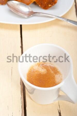 Szilva torta eszpresszó kávé fehér rusztikus Stock fotó © keko64
