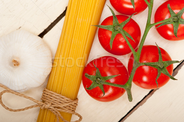 Italiano básico pasta ingredientes frescos tomates cherry Foto stock © keko64