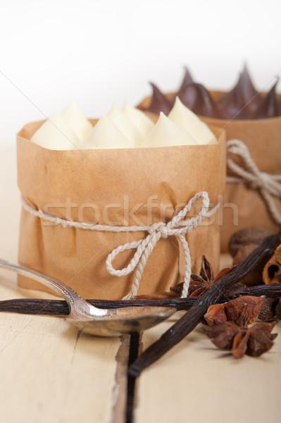 Foto stock: Chocolate · baunilha · temperos · creme · bolo · sobremesa