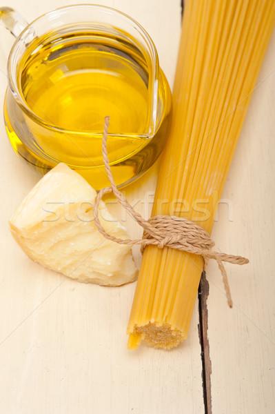 Italiano macarrão básico comida ingredientes queijo parmesão Foto stock © keko64