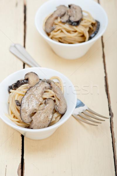 Włoski spaghetti makaronu grzyby świeże Zdjęcia stock © keko64