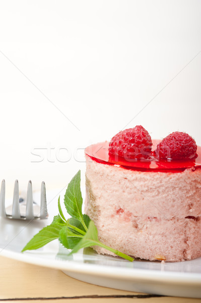 Vers framboos cake dessert vorm mint Stockfoto © keko64