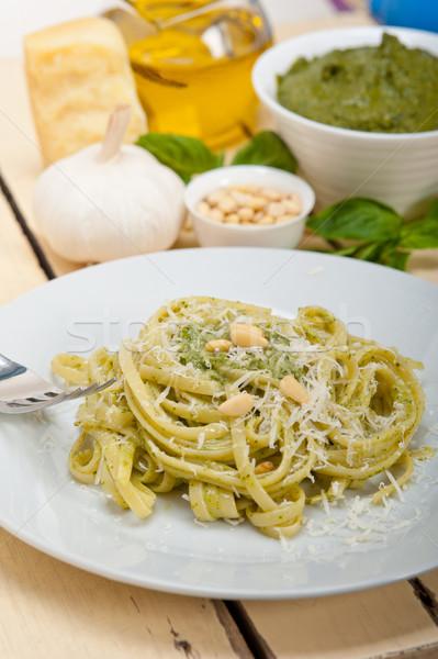 Olasz hagyományos bazsalikom pesztó tészta hozzávalók Stock fotó © keko64