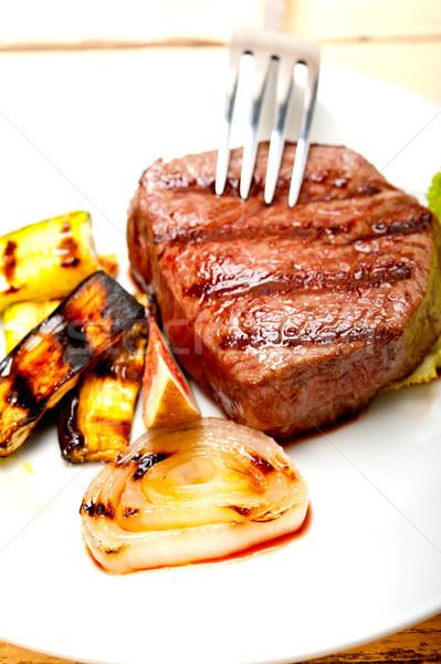 Grelhado carne filé fresco vermelho prato Foto stock © keko64