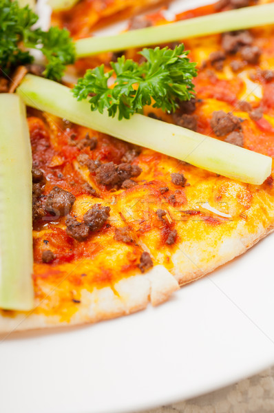 Turks rundvlees pizza komkommer top vers Stockfoto © keko64