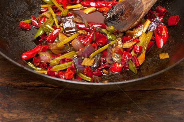Frito vegetal wok panela ferro Foto stock © keko64