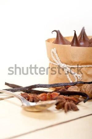 Czekolady wanilia przyprawy krem ciasto deser Zdjęcia stock © keko64